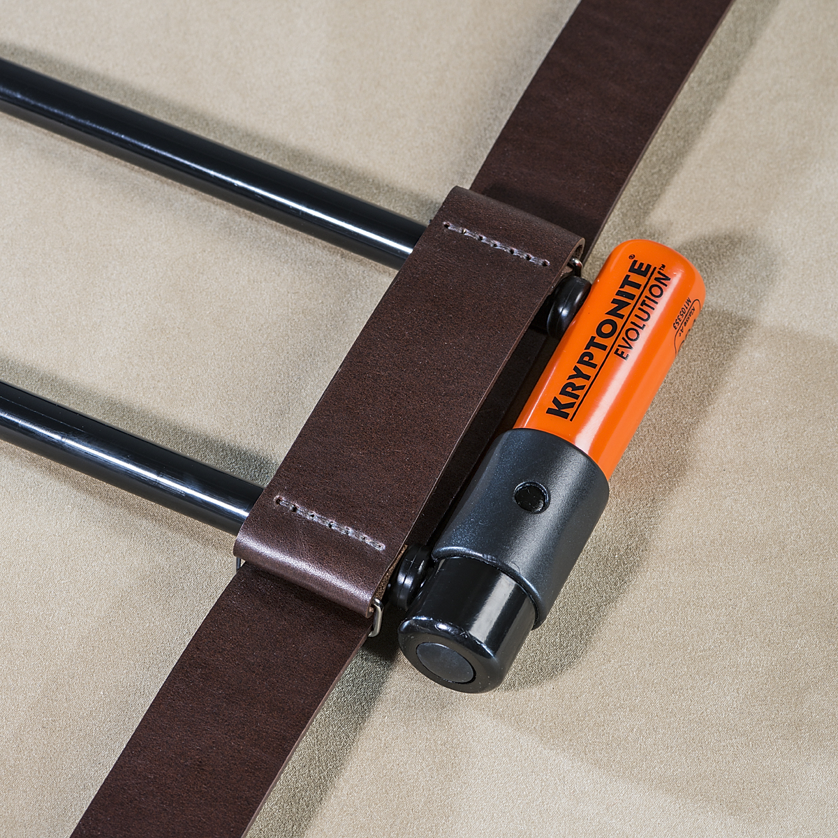 Leather U-lock holder Brown 1.